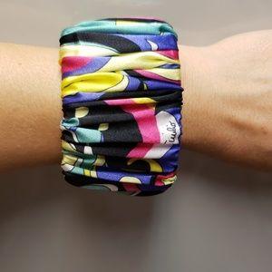 Silk elastic bracelet